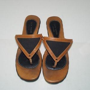 Kate spade sandals Flip Flops Brown, Size 6.5b